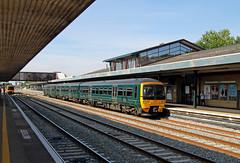 165108 Oxford (CD Sansome) Tags: 165108 165 thames turbo great western railway first gwr fgw oxford station train trains