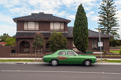 Sunshine (Westographer) Tags: sunshine melbourne australia westernsuburbs suburbia australiansuburbia parked kingswood holdenkingswood house home