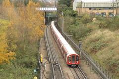 91171 North Acton (localet63) Tags: londonunderground 91171 centralline northacton