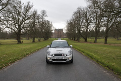 Mini Cooper S (syf22) Tags: glamiscastle scotland angus forfar glamis car vechile mini bmwmini automobile auto autocar automotor motor motorcar motorised minicoopers minir56 drive long avenue lane path estate mini50