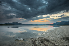 Gray evening (Ignacio Ferre) Tags: embalsedesantillana santillanareservoir embalse reservoir lago lake agua water manzanareselreal madrid españa spain sunset puestadesol anochecer clouds nubes tormenta storm naturaleza nature nikon paisaje landscape evening
