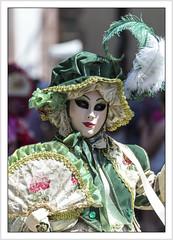 Le vert était sa couleur! (Francis =Photography=) Tags: riquewihr alsace hautrhin carnival carnaval 2018 venetiancarnival grandest costumes suit venise venice canon600d carnavalvenitien fondblanc costume france personnes bordurephoto europa europe yeux eyes 68 chapeau hat hut costumées carnavalvénitien extérieur costumés