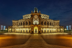 semperoper (josef152) Tags: semperoper dresden night nachtaufnahme nacht deutschland germany building langzeitbelichtung langzeitaufnahme