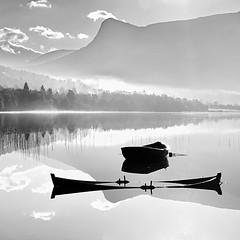 De to -|- The two (erlingsi) Tags: båter bnw svarthvitt blåner båtene blackandwhite sq