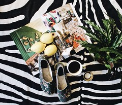 Zebra blanket and jungle printed espadrilles (loco_espadrilles) Tags: zebra jungle print espadrille espadrilles shoes summershoes blanket loco butteredbroccoli broccoli green yellow red roses tiger tigers background shop coffee magazine lemons