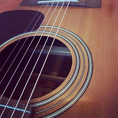 Trying to go from 'no strings attached' to 'six strings attached'. Quite the challenge. Finally put new strings on the vintage Yamaha #guitar that's been sitting here for decades. Now all I need to do is learn to play. #goodintentions #music #vintage #doi