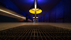 deep blue (Moni E) Tags: urban munich münchen bavaria bayern moosach ubahn subway metro underground station train color lamp yellow red architecture ingomaurer eos canon canon6dmarkii city transport wideangle wall blue laowa venusoptics