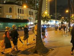 Oahu, .18/5 (Basic LA) Tags: hawaii oahu waikiki kalakauaave night city kalakaua people