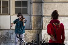 ... (ángel mateo) Tags: ángelmartínmateo ángelmateo viena austria vienna vienne autriche wien österreich música músico violín escuchar espectador músicacallejera musikmusiker violine hörer strasenmusik music musician violin listening viewer streetmusic