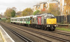 37800 and 455809 Kensington (Olympia) (localet63) Tags: railoperationsgroup class37 unitdrag kensingtonolympia 37800 455809 5q88 emptystockmovement southern