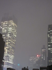 IMG_5084 (Brechtbug) Tags: 2018 november evening blizzard snow storm hells kitchen clinton near times square broadway nyc 11152018 new york city midtown manhattan snowing storms snowstorm winter weather building fog like foggy hell s nemo southern view ny1snow