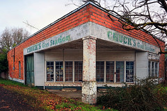 Chuck's Gas Station (Ian Sane) Tags: ian sane images chucksgasstation scotts mills oregon permanently closed abandoned building business gas station architecture landscape photography canon eos 5ds r camera ef1740mm f4l usm lens