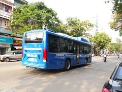 1-5 Auto B55 CNG on bus line number 53: Lê Hồng Phong bus park <-> National University bus park B in Ho Chi Minh city     Vehicle license plate: 51B - 251.87 (phanphuongphi) Tags: buytsaigon bus53 cngbus ngvbus 15auto transinco vinamotor doosan lehongphong benhvientudu chothaibinh raptranhungdao chobenthanh benthanhmarket congtruongmelinh nhamaybason causaigon ngatumk ngatubinhthai ngatuthuduc daihocsuphamkythuattphcm daihocnganhang ngatulinhxuan khuchexuatlinhtrung nghiatrangthanhpho daihockinhteluattphcm daihocnonglamtphcm cauvuottram2 suoitien hcmiu daihocquoctetphcm daihocquocgiatphcm