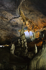 Paradise (Thiên Đường) Cave (stalactite cave) (www.holgersbilderwelt.de) Tags: cave stalactite vietnam paradisecave stalagmite dripstone nature beautiful white light travel color shadow amazing scenic lovely tranquility public sculpture stairs perspective longexposure attractive adorable chalk limestone nationalpark aperture phongnha asia awesome