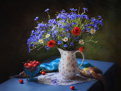 Summer still life with wildflowers (Tatyana Skorokhod) Tags: stilllife bouquet flowers cornflowers poppies cherries berries decor indoors