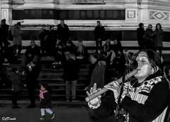 Rapita dalla musica andina (danilocolombo69) Tags: artista flauto musica firenze santacroce sera danilocolombo danilocolombo69 nikonclubit abigfave