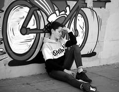 El Dilema en BW.- (angelalonso4) Tags: canon eos 6d tamron sp 90mm f28 di vc usd macro11 f004 ƒ28 900 mm 1320 100 bw black negro blanco white monocrome monochrome 白黒 encuadre b y n capture street portrait edición