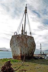 °Petrel (J.Legov) Tags: südgeorgien schiffswrack shipwreck wasser berge ship wreck lost abandoned rust sturmvogel petrel boot himmel