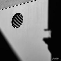the circle (alain.winterberger) Tags: urbain urban abstrait abstract ombre shadow contrast contraste blackwhite nb bnw monochrome art street streetart wall mur lausanne flon suisse switzerland schweiz svizerra panasonic