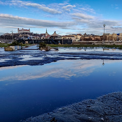 Reflection (MAKER Photography) Tags: bratislava skyline sky clouds castle latern post water reflection pebble pebbles stone stones buildings building boat city smartphone phone oneplus 6