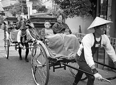 Kyoto rickshaw (thepurpleghost) Tags: olympus 35rc kodak trix d7611 film analogue blackwhite monochrome japan bw kyoto