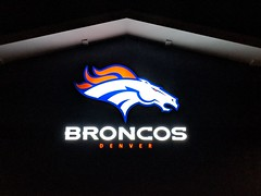 2018_T4T_Denver Broncos Play 60 Clinic 13 (TAPSOrg) Tags: taps tragedyassistanceprogramforsurvivors teams4taps denverbroncos englewood colorado nfl salutetoservice football play60 2018 military indoor horizontal detail sign