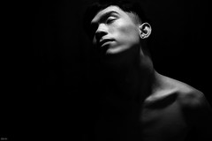 Ngh BW deep 1 (Wood Oliver) Tags: digital canon eos5dii indoor 50mm18 stm studio lighting lowkey shadow body bw
