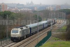 Navidad Mercantil... (Mariano Alvaro) Tags: 333 310 402 tren navidad ffe r12 coches costas casa campo trenes madrid renfe mercancias