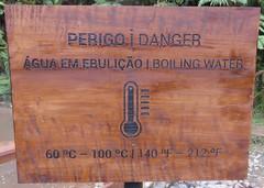 Caldeira Velha Warning Sign (São Miguel, Açores) (courthouselover) Tags: portugal p portugueserepublic repúblicaportuguesa macaronesia europe europa europeanunion evropskáunie europeseunie unioneuropéenne europäischeunion európaiunió unioneeuropea uniaeuropejska uniuneaeuropeană európskaúnia evropskaunija azores açores autonomousregionoftheazores regiãoautónomadosaçores sãomiguel sãomiguelisland reservanaturaldeáguadepau naturalparks