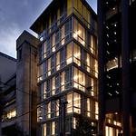 テナントオフィスビルの写真