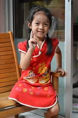 cute peaceful girl (the foreign photographer - ฝรั่งถ่) Tags: cute peace peaceful girl sign rocking chair khlong thanon portraits bangkhen thailand nikon d3200