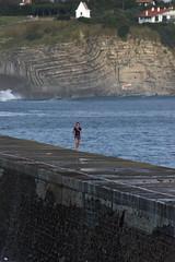 IMGP4550 (bertrand.garrigou) Tags: ocean digue courreur running sea dam saintjeandeluz pentax pentaxart