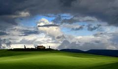 living in Tuscany (EOS1DsIII) Tags: eos1dsiii italy italia italien toscana landscape sky landschaft himmel clouds wolken grün green aoi elitegalleryaoi bestcapturesaoi