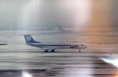 Light infiltration special effects! SP-LHA LOT Poland Tu-134A in the snow at London Heathrow (heathrow.junkie) Tags: lot tupolev134 tu134 lhr londonheathrow london snow lufthansa 727 boeing727 queensbuilding splha dabpi