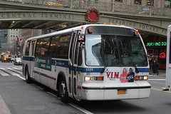 IMG_3825 (GojiMet86) Tags: mta nyc new york city bus buses 1999 t80206 rts 5225 m42 42nd street park avenue