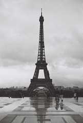 Tour Effeil (leniners) Tags: 2017 france paris tour bw nb noir black white kodak trix 400 kodaktrix400 leica m6 leicam6