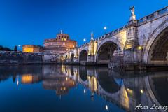 chateau saint ange, Rome (arnolamez) Tags: rome roma reflet heurebleue bluehour chateau paysage cityscape ville italy italie