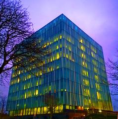 Aberdeen University Library 35 (Golux.) Tags: aberdeen scotland university library sirduncanrice tree trees blue sky reflection light glass