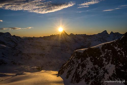 Matterhorn widziany z przełęczy Adlerpass