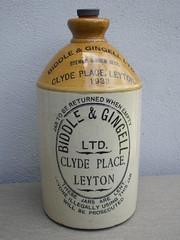Vintage Advertising Stoneware Brewed Ginger Beer Jar Biddle & Gingell Ltd Clyde Place Leyton London 1933 (beetle2001cybergreen) Tags: vintage advertising stoneware biddle gingell ltd brewed ginger beer jar clyde place leyton london 1933