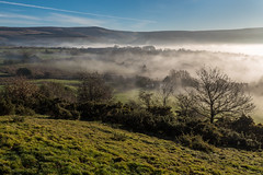 Mist over Glossop (Maria-H) Tags: view mist hills glossop derbyshire highpeak peakdistrict pennines uk olympus omdem1markii panasonic 1235