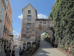 Blumauers Geburst Haus 128 (Andras Fulop) Tags: steyr austria nikon building architecture gate outdoor hdr