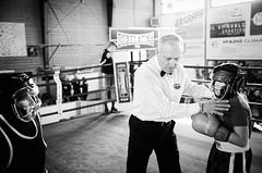 41923 - The Match (Diego Rosato) Tags: ring match incontro boxe boxelatina boxing pugilato nikon d700 2470mm tamron rawtherapee bianconero blackwhite