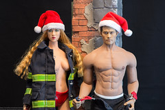 2018 Phicen/TBLeague Advent Calendar - Day 15 Outtake (edwicks_toybox) Tags: 16scale tbleague bbi blaze coolgirl cygirl femaleactionfigure firefighter m33 maleactionfigure phicen redhead santahat seamlessbody suspenders takara