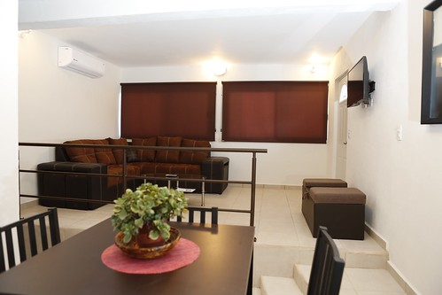 villa carey