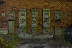 Ocalałe zdobienia (PanMajster) Tags: sculpture rzeźba zdobienia ornament pentax k3ii muzeum górnośląskie bytom śląsk silesia polska poland