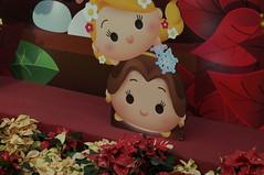 DSC00657- Girls (oliveplum) Tags: poinsettiawishes2018 christmas gardensbythebay flowerdome leica60f28macro sony singapore decoration