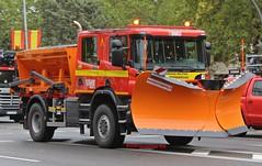 Unidad Militar de Emergencias (emergenciases) Tags: emergencias españa 112 desfile 12octubre madrid camión truck ejército ume unidadmilitardeemergencias biemi quitanieves vehículo scania