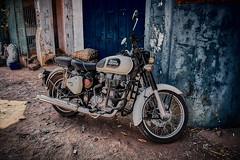 Royal (johan.bergenstrahle) Tags: 2019 aurorahdr captureone finepicsse fordon hdr indien india januari january vehicle mc motorcykel motorcycle
