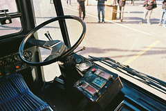 Posto guida (maximilian91) Tags: inbuss210ft inbuss210 inbus oldbuses vintagebuses italianbuses italia italy liguria laspezia ektar100 35mm analogue nikonfe